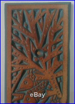 2 Plaques ou plaques de propretés en céramique de MOUGIN Poissons Art-Déco 1930