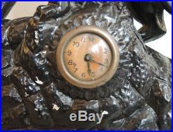 Ancienne Horloge en Faïence Panthère Ruggisant Style Art Déco