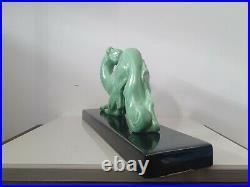Attribué à Georges Lavroff, Lévrier, céramique vert céladon et noire, Art Déco
