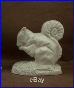 Belle Paire De Serre Livre En Ceramique Craquele Art Deco Ecureuil Signés Wibaux