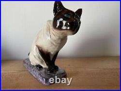 Chat siamois art déco en céramique L. Riché 17 cm de haut 30 cm de longeur