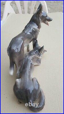 Couple De Chiens Ceramique Goldscheider Annees 1920 Art Deco