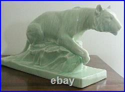 E. SIELG belle sculpture en céramique craquelée art-déco lionne chasseresse