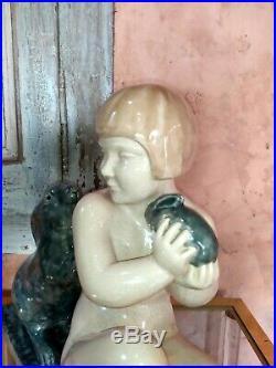 Genevieve GRANGER Grande sculpture en céramique craquelé ART DECO Fille lapins