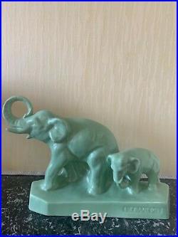Groupe aux éléphants en céramique