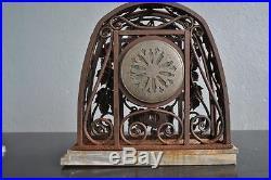 Pendule garniture en fer forgé 1930 de style art déco