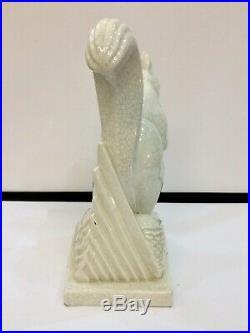 Ravissant sujet en céramique craquelée figurant un écureuil Lemanceau, Art Deco