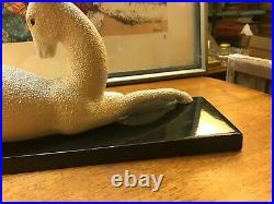 Sculpture Biche en céramique coquille duf granité perlé art déco signé Odyv