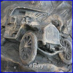 Sculpture assiette murale tacot voiture ancienne 1900 Biot France art déco N6239