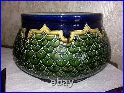Superbe et ancien cache pot. Ceramique peinte Art Deco signé thomas sergent